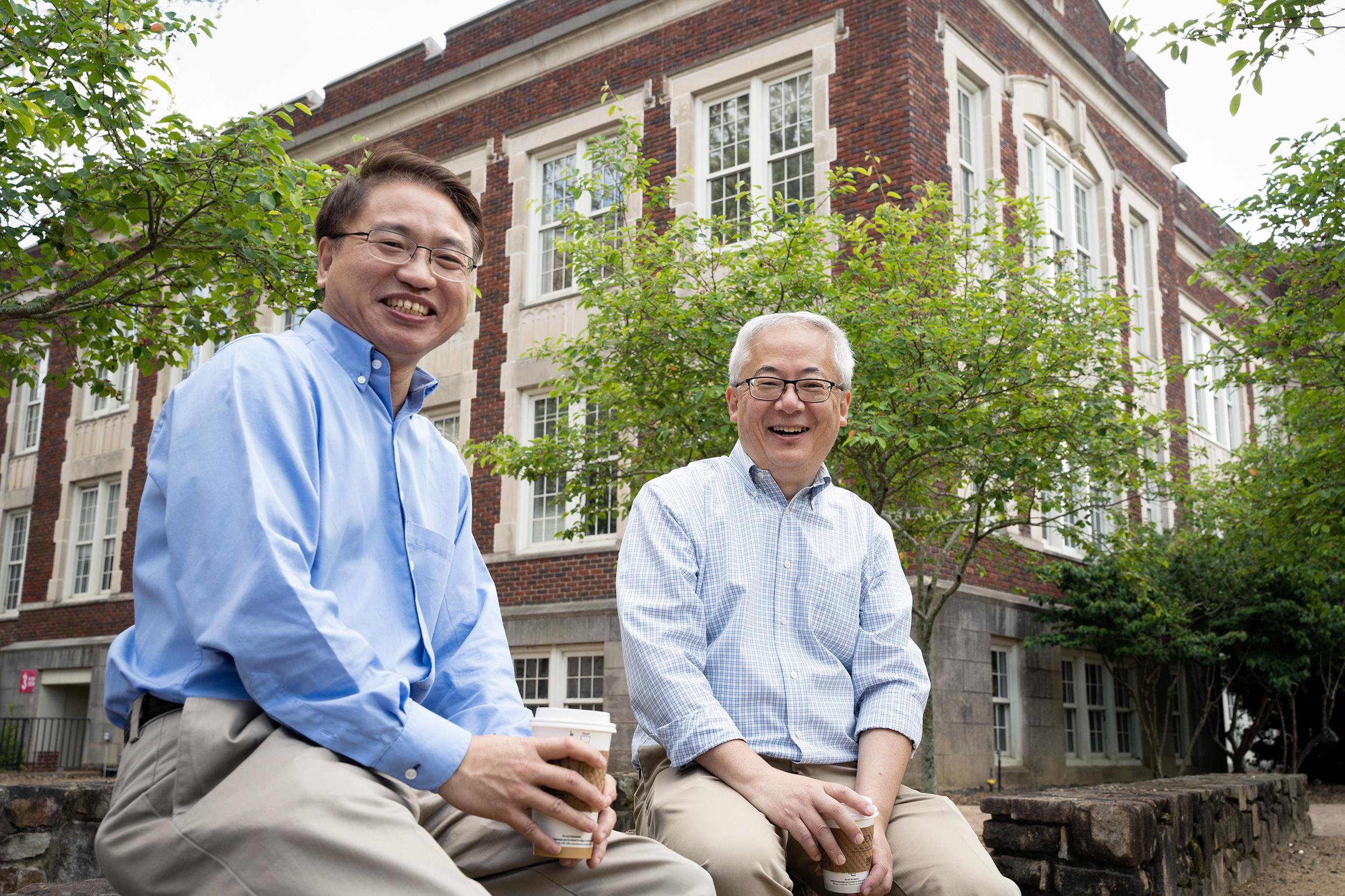 Jianping Lu and Otto Zhou