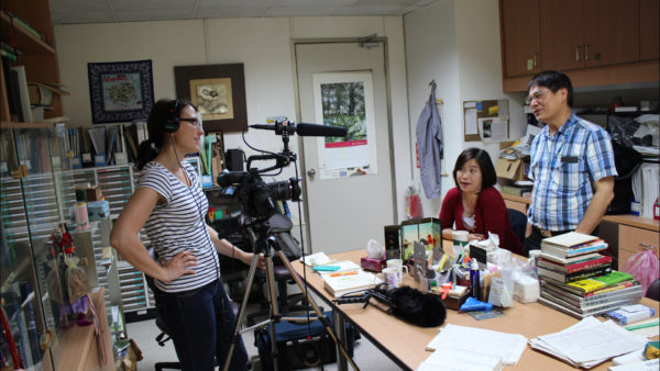 Julia Haslett (left) interviews Pan Fuh-Jiunn and Ju Li-Ping