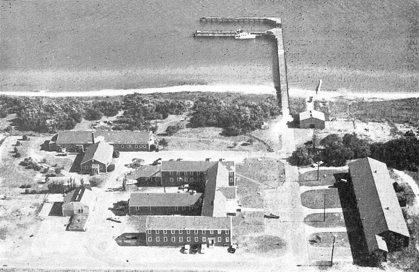 aerial view of Institute of Marine Scineces in 1940s