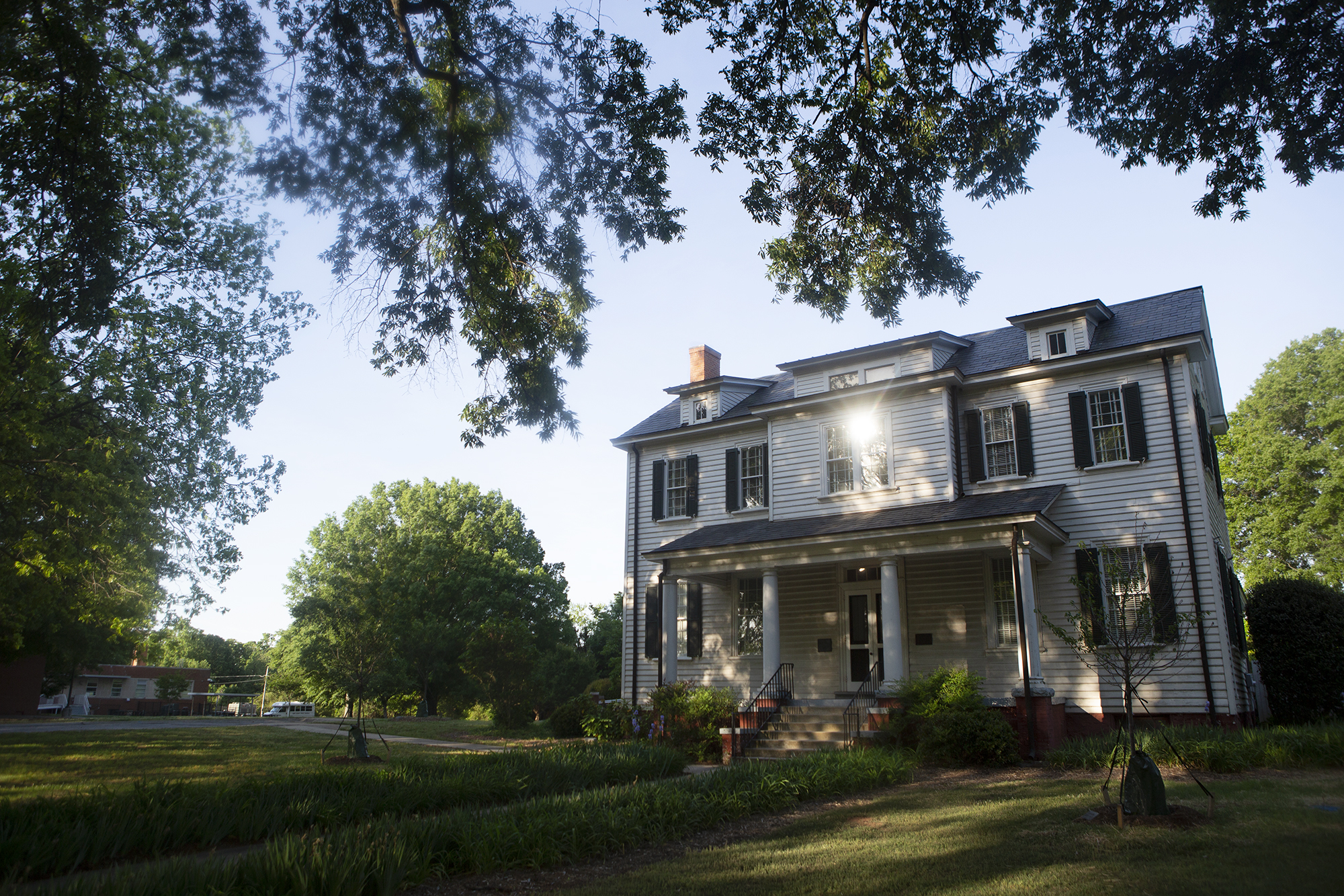 Photo of the Spring Hill Plantation House.